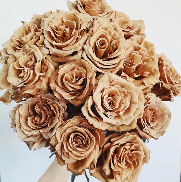 Розы 'Ириска' настолько популярны, что некоторые флористы едва успевают приезти их в магазин