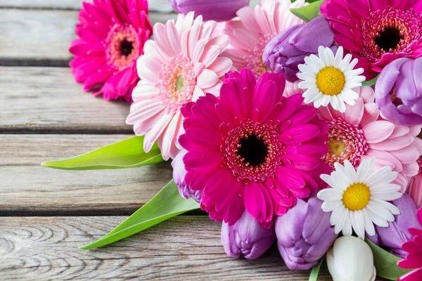 Как выбрать цветы на 8 Марта. Советы по выбору букета в подарок