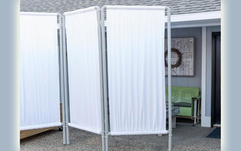 Как обеспечить приватность на дачном участке: решения, помогающие скрыть уголки отдыха от посторонних глаз