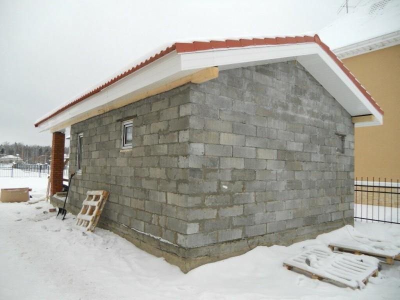 Хозблок для дачи: как самому построить сарай?