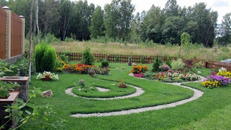 Как сэкономить на оформлении садового участка